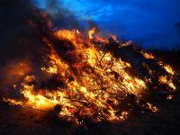 Osterfeuer-20150404-200420